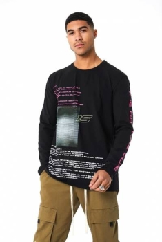 THE COUTURE CLUB GRAPHIC TEXT LONG SLEEVED TEE IN BOX FIT